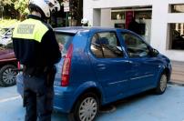 Estacionar en plazas de minusválido con la tarjeta de otra persona