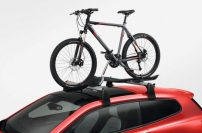 Llevar una bicicleta en el techo del coche